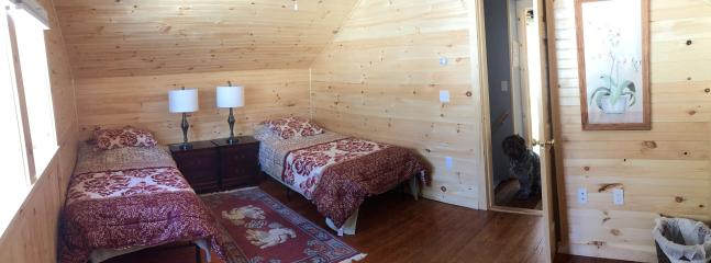 Upstairs 2 twins bedroom