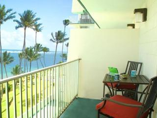 Pats Paradise Unit 604 - beachfront, near PCC, Hauula