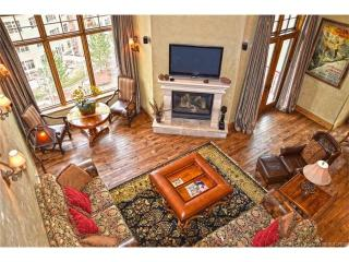 Luxury Ski in Ski out 3800 sq ft Penthouse, Park City