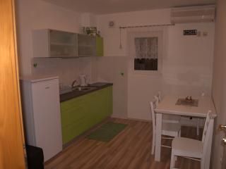 Apartment Cvitkovic Little Green for 3 persons, Klenovica