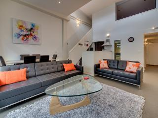 Awesome 2 Bed Cuba Apartment, Wellington