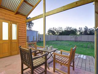 Upper Swan Cottage - Perfect Romantic Escape, West Swan