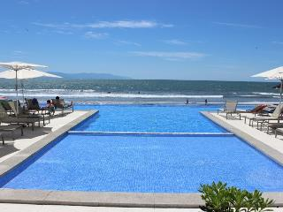 2 Bedroom - Beach and Pool Front Views, Nuevo Vallarta