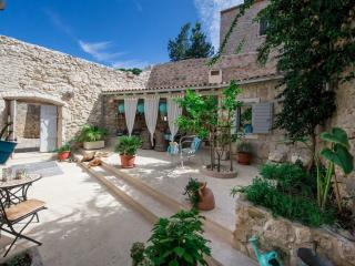 Villa Hilde - Five Bedroom Villa with Terrace and Garden View (A9), Vis