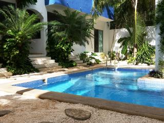 Affordable 2 bedroom condo close to Coco Beach