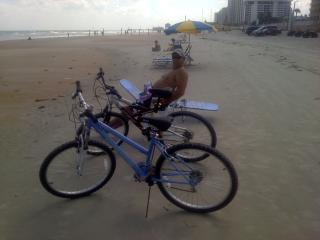 Daytona Beach Home...Between Shores & Speedway