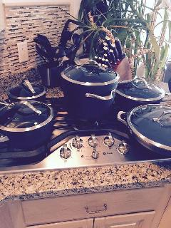 kitchen pots & pans Top Quality plus all kitchen cooking equipment.