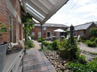 37293 Cottage in Whitchurch, Barton
