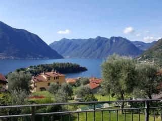 Excellent Lake Views - Bel Dosso Apartment, Ossuccio