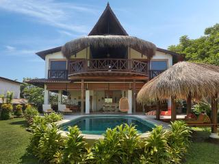 Flamboyant House, ocean view luxury villa