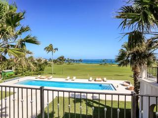 Villa Noor, Paradise Island