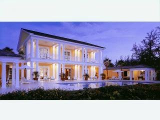 Pembroke House, Paradise Island