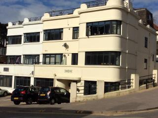 Beautiful flat with sea view next to the beach, Bournemouth