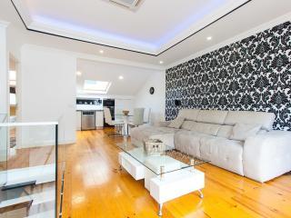 Superbe T4 Duplex avec Terrasse, Lisbonne