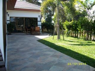 Tropicana 3 bedrooms garden on beach road