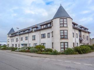 SEASIDE HAVEN, close to beach, sea views, facilities on doorstep, Findhorn, Ref 935016