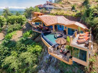 Casa Dare to Dream, Sleeps 8, Playa Hermosa