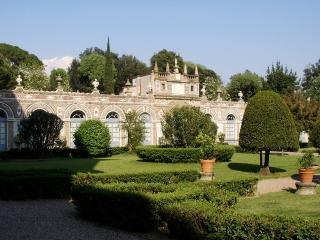 Limonaia Capponi, Sleeps 8, Florence