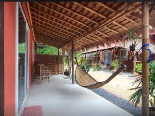 Gecko Beach Villa (Cabana) Hin Kong beach. Koh Phangan