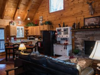 Secluded Romantic Log Cabin 2Miles To Pigeon Forge