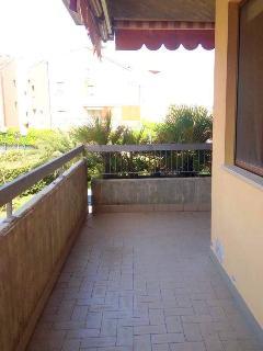 ampio balcone vivibile