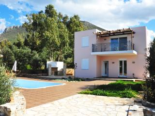 Modern Villa with Private Pool and Nice Views, Vamos