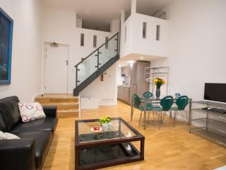 Studio duplex apartment in City next to St Pauls