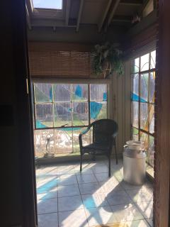 Sunroom/entrance click on pic to see full view- not sure why it is doing this
