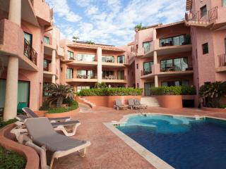 2 BR beachfront penthouse w rooftop terrace, Playa del Carmen