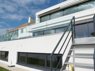 Beach fronting holiday home in Sandbanks, Poole