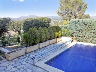 Well-appointed house with a pool, Saint-Raphaël