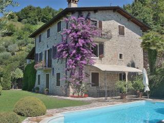 Villa ai Pignoi 1st Floor, Garda