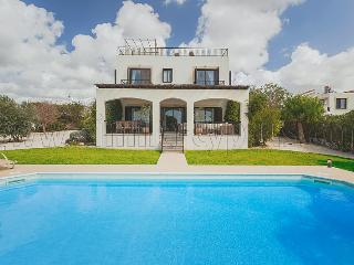 4 bedroom Villa Venus in Secret Valley, Kouklia