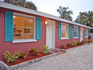Walk to the Beach and More from this Renovated Anna Maria Island Rental, Isla Anna Maria