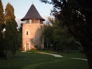 MOULIN, Margaux