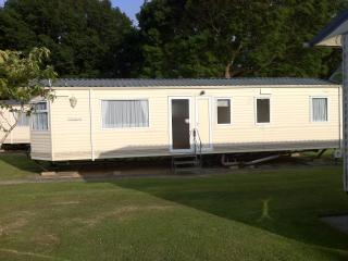 Isle of Wight Caravan Holiday Let (Chestnut 5/7), St Helens