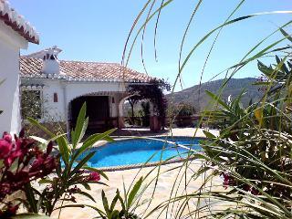 Finca Higuerón con piscina privada