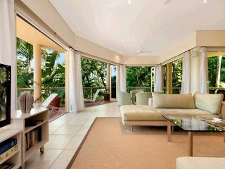 #1 The Hill Apartments, Port Douglas