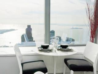 MODERN AND SUN DRENCHED FURNISHED 1 BEDROOM 1 BATHROOM APARTMENT WITH OCEAN VIEW, Nueva York