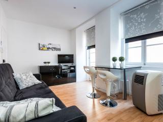 Beautiful apartment in Beco das Farinhas, Lisbon