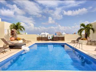 Meridian Penthouse Near the Beach, Playa del Carmen