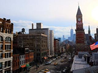 WEST VILLAGE/GREENWICH~TONS OF LIGHT!