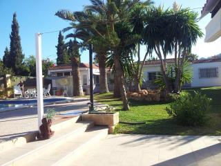 VILLA BOARDING - IBIZA, Ibiza Town
