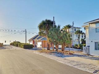 Anna Maria Island Beachside Vacation Rental Located Steps to Holmes Beach