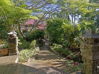 Longbourn on Massinger House and Studio - 3 night, Byron Bay