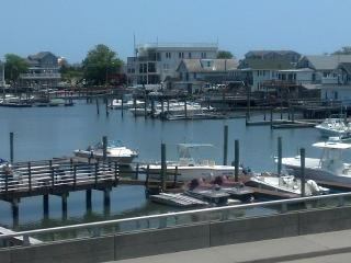 3 Bedroom Bay Front Condo!, Wildwood