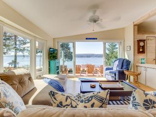 High-bank waterfront home w/ Puget Sound & wildlife views!, Freeland