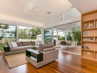 Belletide - quintessential Byron Bay beach house