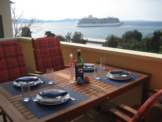Feel the sea breeze and enjoy your lunch on the terrace