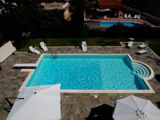 Mansarda in villa con piscina, Siracusa